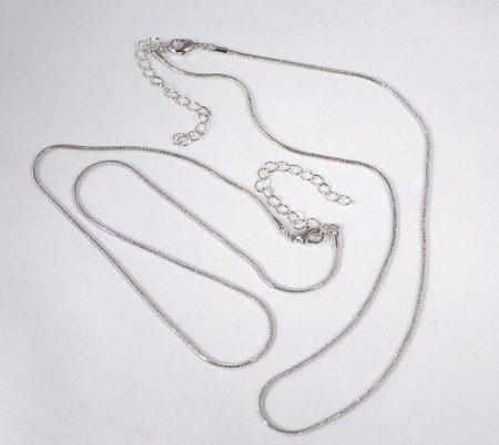 Nikkelmentes fém kígyólánc, ródium bevonattal, 45-52 cm