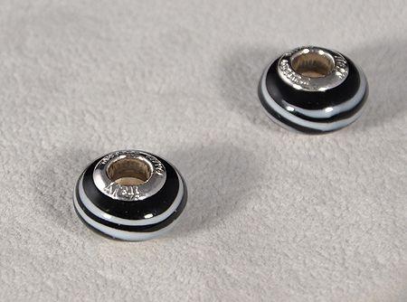 """""""Saturnus"""" egyedi üveg medál - fekete csíkos (muránói üveg)"""
