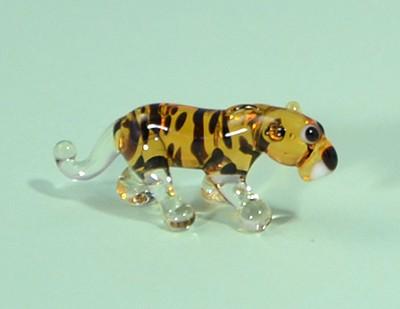 Leopárd - miniatűr üvegfigura, álló