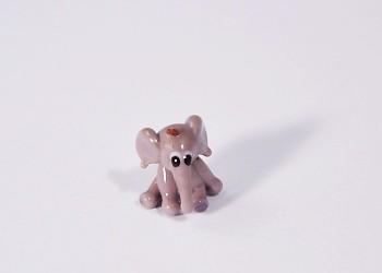 Bébi elefánt - miniatűr üvegfigura