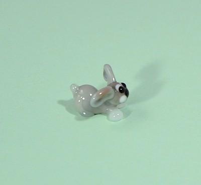 Nyúl - miniatűr üvegfigura, ülő