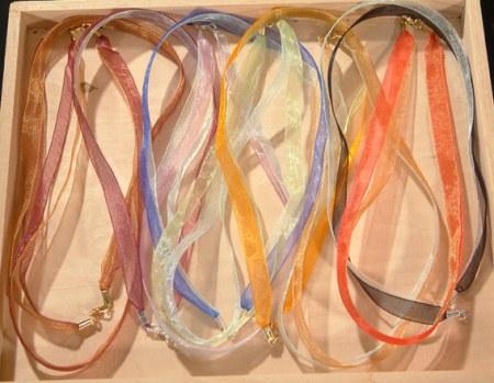 Organzaszalag kapoccsal - többféle színben, csak előzetes megrendelés alapján!